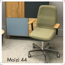 Stuhl Moizi 44 bei Riemenschneider-Wiesbaden
